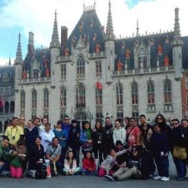 regram @wanderwacko My first #expatexplore family. #europeantaster #travel #explore #wanderlust #brugge #belgium #vsco #vscocam #europe #follow4follow #followfollowfollow #followforfollow