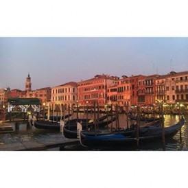 #Venice at dusk. Photo by @expat_erinnn