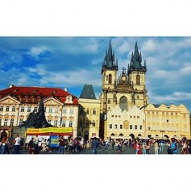 """Day 6 of the #ExpatExplore #UltimateEurope tour - treat yourself to the fairy tale magic of #Prague, often described as the """"Jewel in the Crown"""" of central Europe. Use your free day to visit the must-see highlights like the Church of Our Lady before Týn, Prague Castle, Charles Bridge, and the Jewish Quarter. Follow Laura ( @lauratourleader) as she captures her experiences as an Expat Explore tour leader across #Europe."""