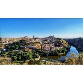 """Holy #Toledo! The beautiful World Heritage Site to the south of Madrid offers an abundance of cultural heritage thanks to its centuries of co-existence between Christian, Muslim and Jewish cultures (it is often referred to as the """"City of Three Cultures""""). This iconic angle of the city taken by @empress_za shows how the skyline is dominated by the Cathedral (left) and the Alcazar fortification (right)."""