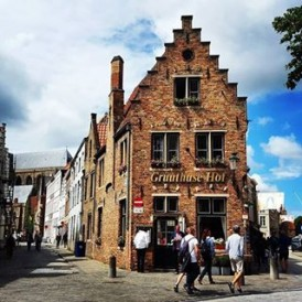 Day 1 of the #ExpatExplore #UltimateEurope tour - prepare yourself for 15 countries in 26 days on the ultimate European adventure! After crossing the English Channel into #France we make our way to #Amsterdam, stopping off along the way in #Bruges. This Belgian city is known as the 'Venice of the North' because of its picturesque canals city and breathtaking medieval architecture. Follow Laura ( @lauratourleader) as she captures her experiences as an Expat Explore tour leader across #Europe.
