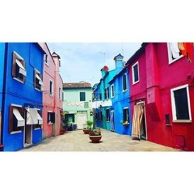 Colourful houses on the island of Burano in the Venetian Lagoon Photo by @lauratourleader