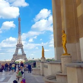 Day 25 of the #ExpatExplore #UltimateEurope tour - a free day to explore #Paris at your own pace! A Seine River cruise to the #EiffelTower and #NotreDame, perhaps? Maybe a visit to the Louvre to see famous artworks and paintings? Follow Laura ( @lauratourleader) as she captures her experiences as an Expat Explore tour leader across #Europe.