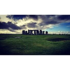 Stunning photo of #Stonehenge! regram @wennylink #stone #greengrass #amazingsky #bluesky #unescoworldheritage #england #greatbritain #expatexplore #natgeolandscape #natgeo #instapic #instatravel