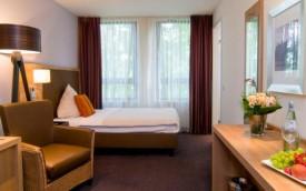 https://expatexplore.com/wp-content/uploads/ACHAT-Premium-München-Süd-hotel-room-munich-germany-1.jpg