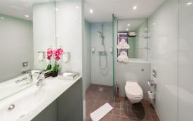 Hotel Fourside Vienna bathroom