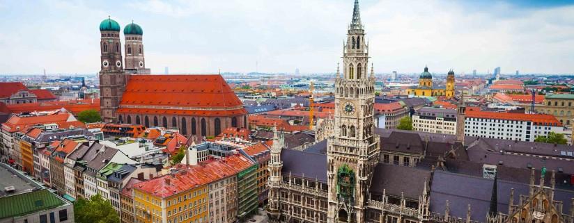 bigstock Neues Rathaus Glockenspiel Fr